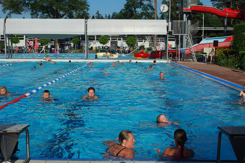 Zwemmen zwemvierdaagse - zwembad in de dennen