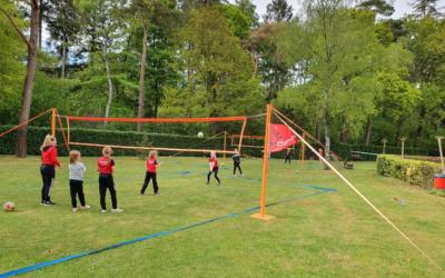 Jeugdleden Dash kunnen weer volleyballen