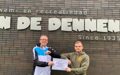BOB-Camp doneert cheque aan zwembad In de Dennen