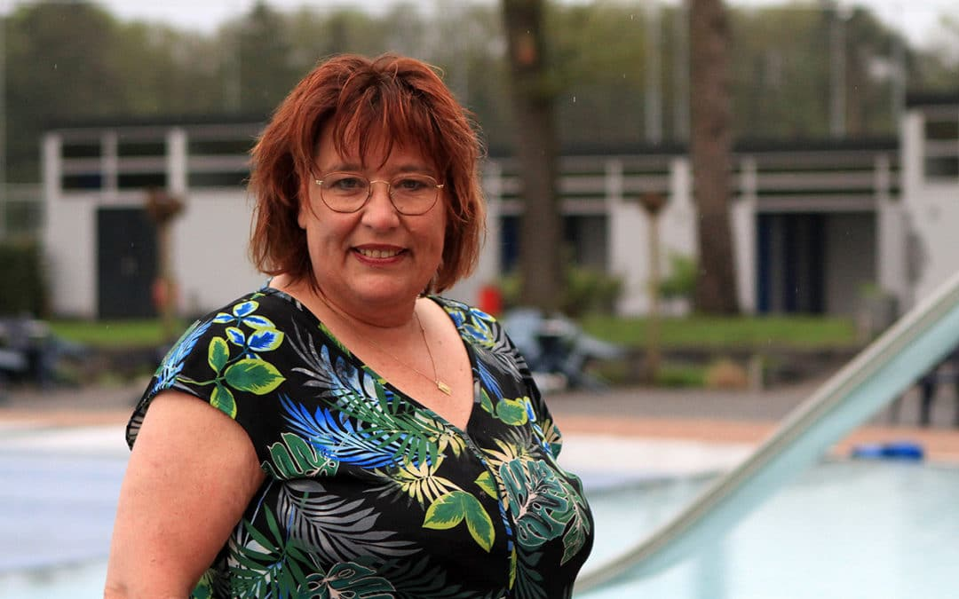 Sonja Honders - Zwembad in de Dennen